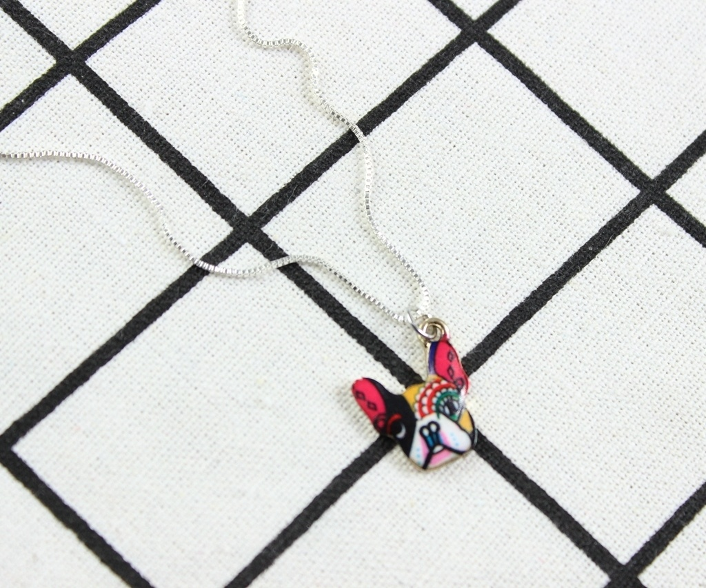 カラーブルドッグヘッドペンダントネックレス、日常着のためのかわいい犬のネックレス