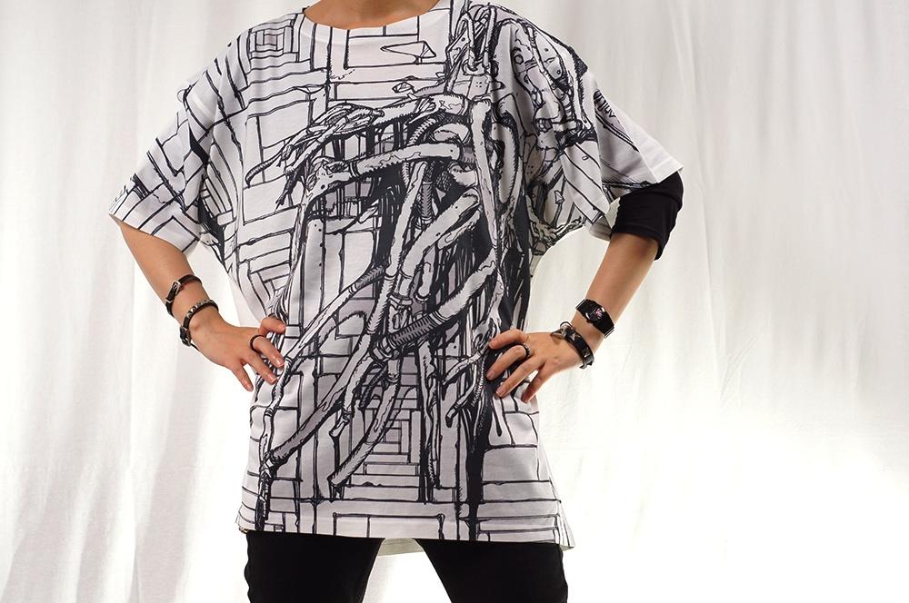 オーバープリントTシャツ「ダウン」