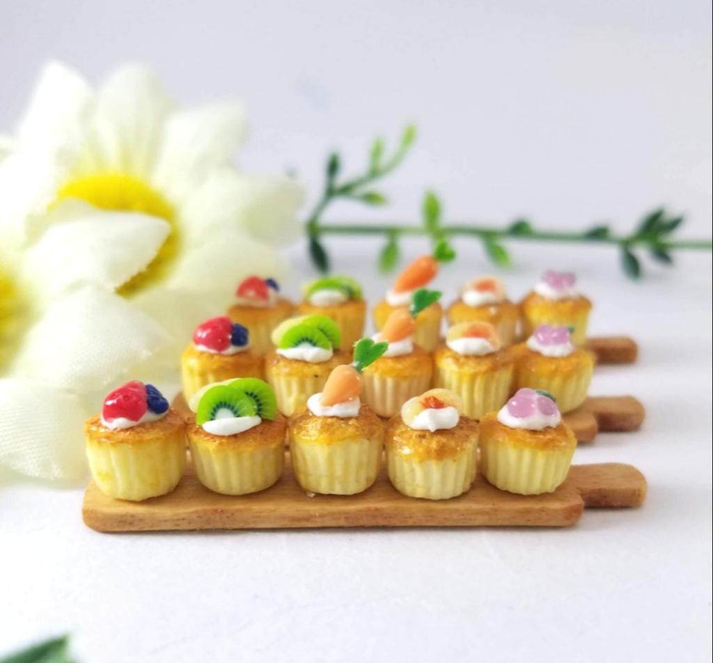 ミニチュアフード♡5種のこんがりフルーツカップケーキ