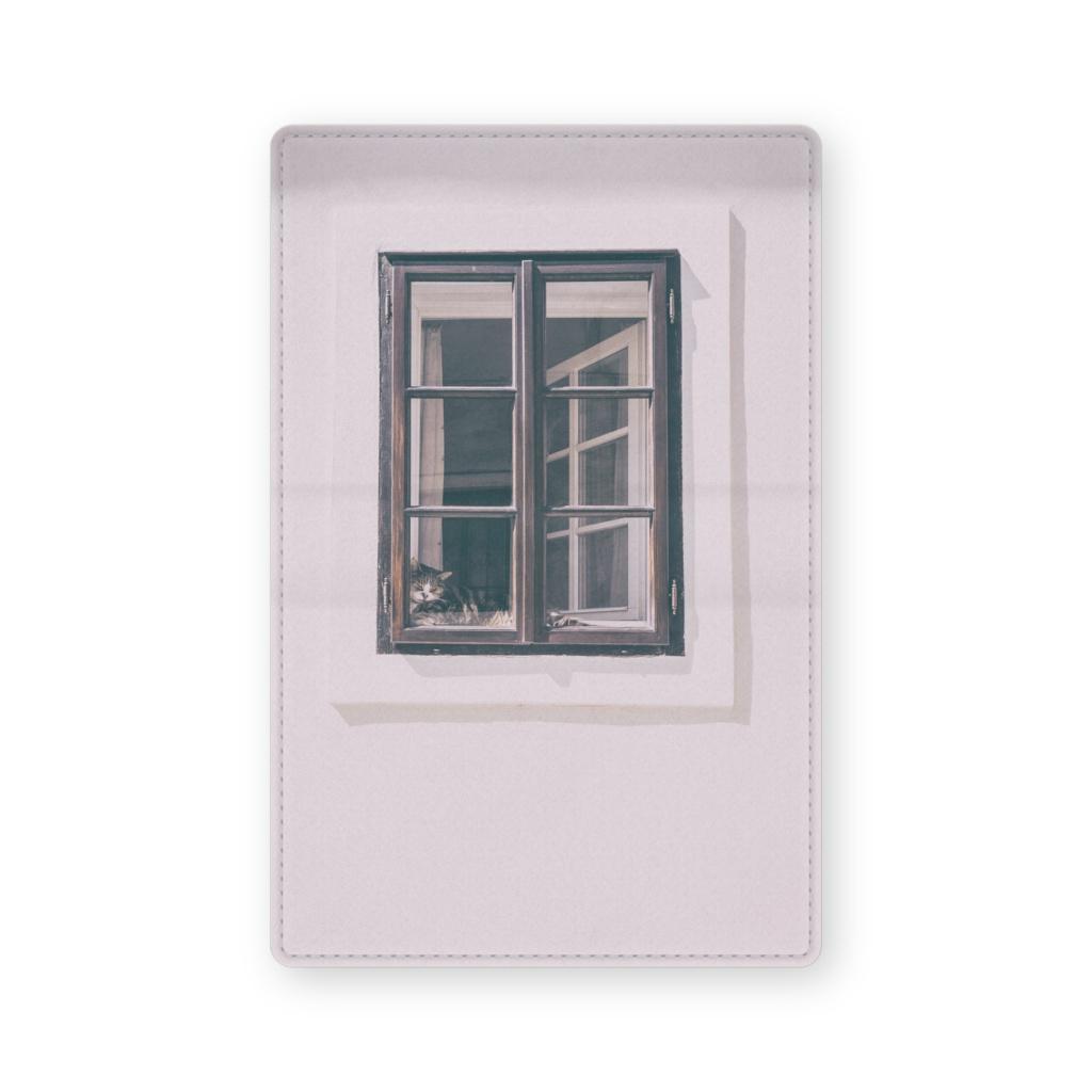 不思議な窓と猫